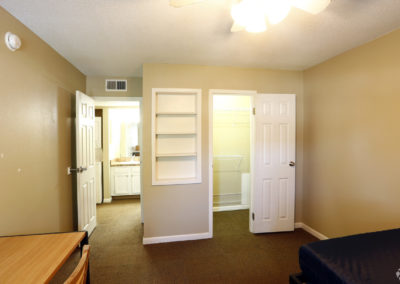 falcon-landing-apartments-bowling-green-oh-bedroom (2)
