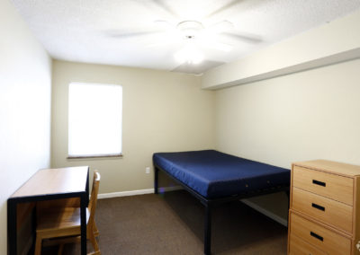 falcon-landing-apartments-bowling-green-oh-bedroom