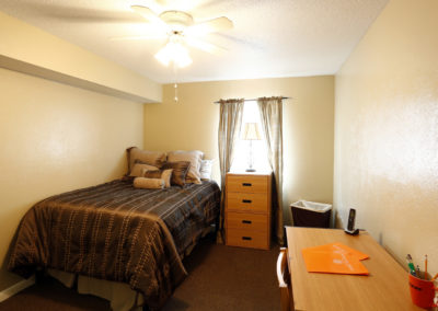 falcon-landing-apartments-bowling-green-oh-bedroom (6)